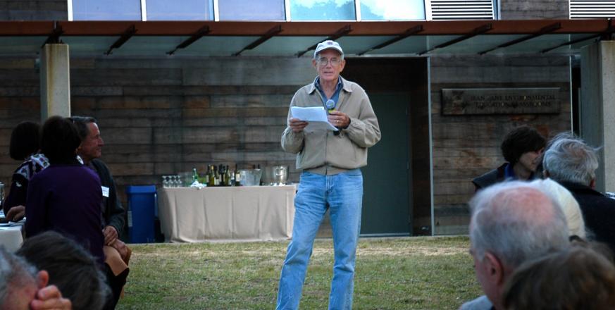 Don Kennedy speaking at Jasper Ridge in 2007