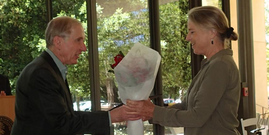 H&S Dean Richard Saller presenting Arnice P. Streit award to Cindy Wilber